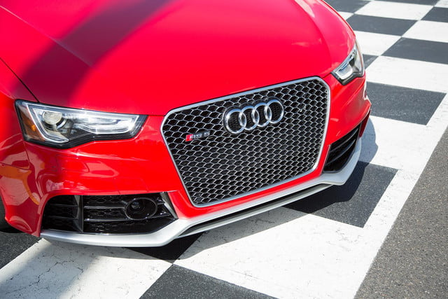 2014 Audi RS 5 Cabriolet front macro