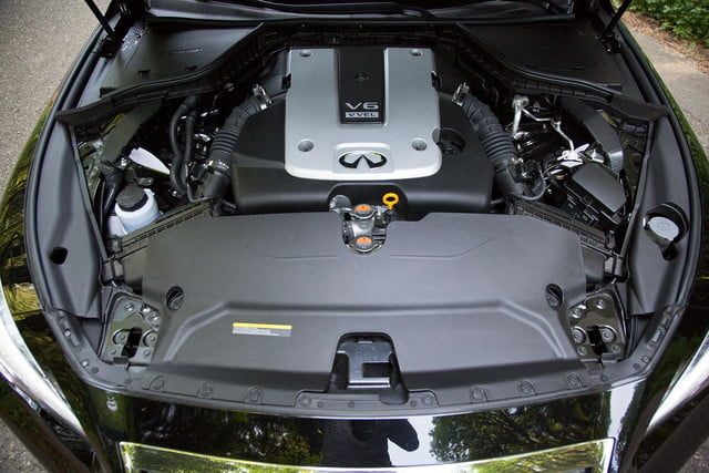 2014 Infiniti Q50S engine top