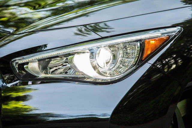 2014 Infiniti Q50S headlight side