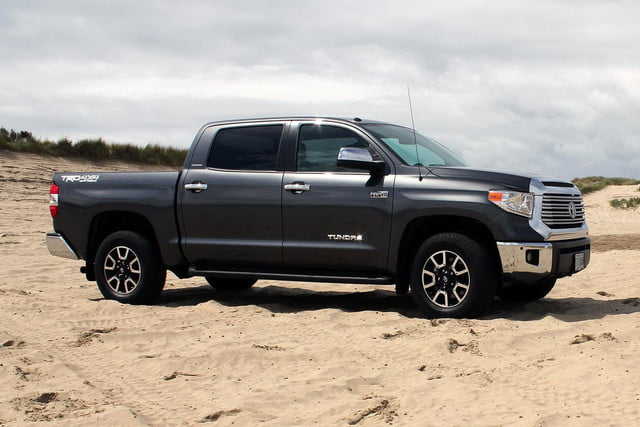2014 toyota tundra review side