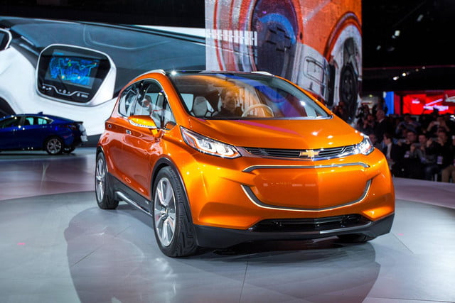 chevrolet will build electric bolt concept 2016 ev 007