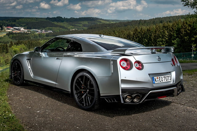 2017 nissan gt r first drive 007