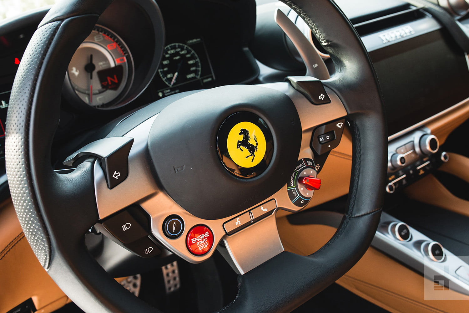 Five crazy technologies in the 2018 ferrari gtc4lusso for Benetton 4 wheel steering