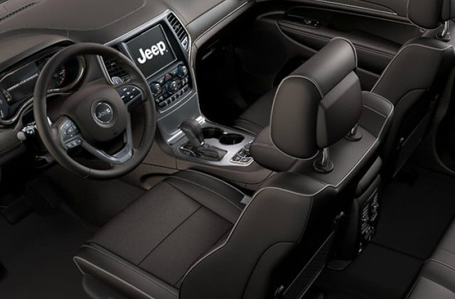 2018 Jeep Grand Cherokee Overland leather-trimmed interior