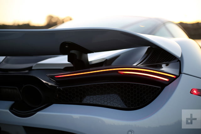 2018 mclaren 720s tail light