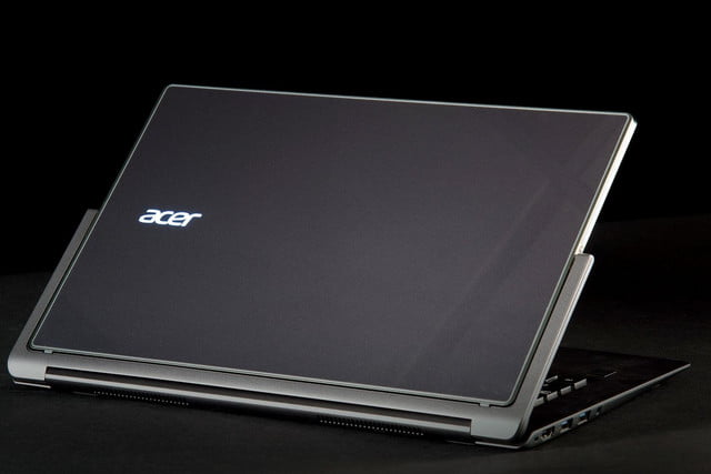Acer Aspire R13 back angle