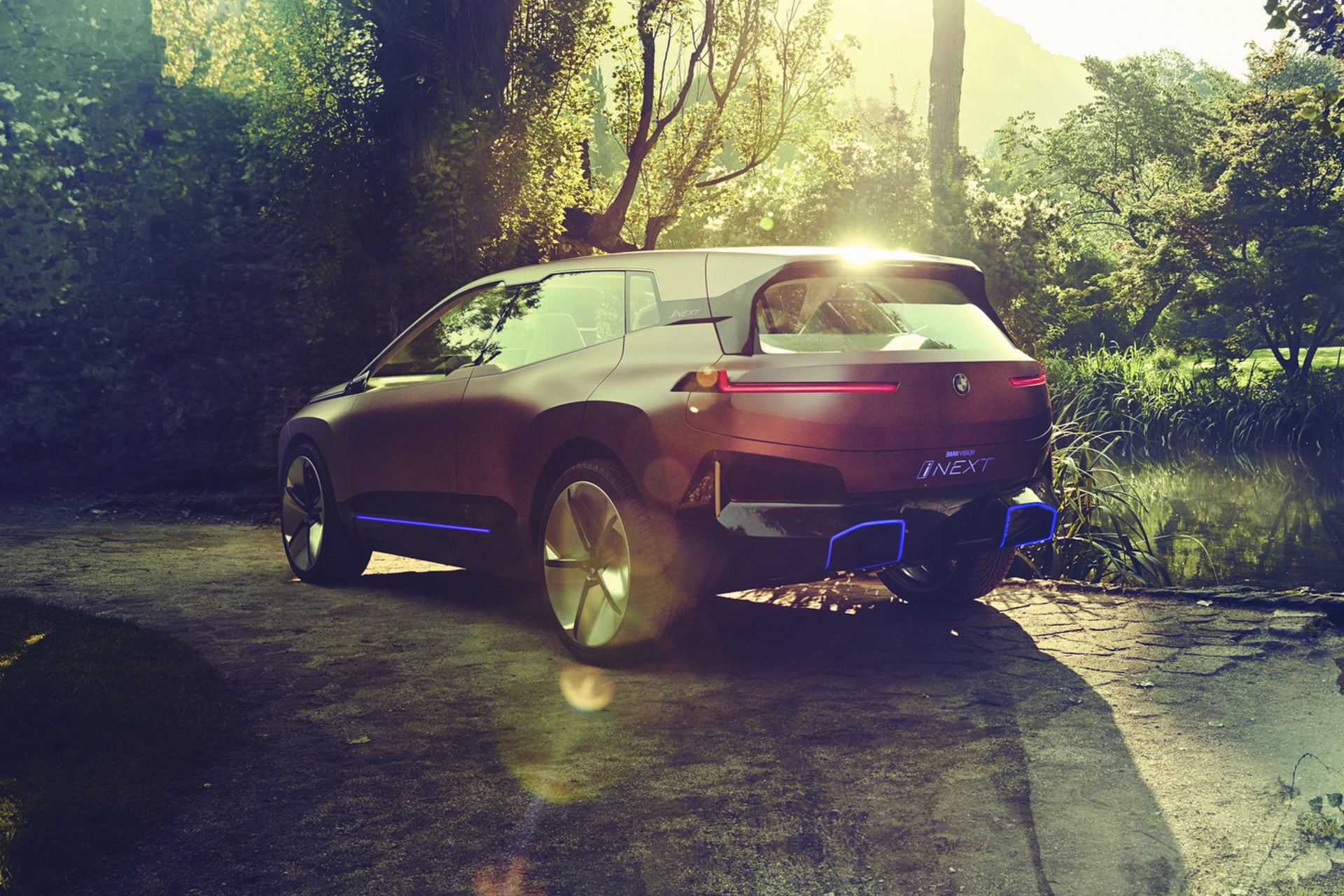 Getting Up Close and Personal With BMW's Vision iNEXT ...