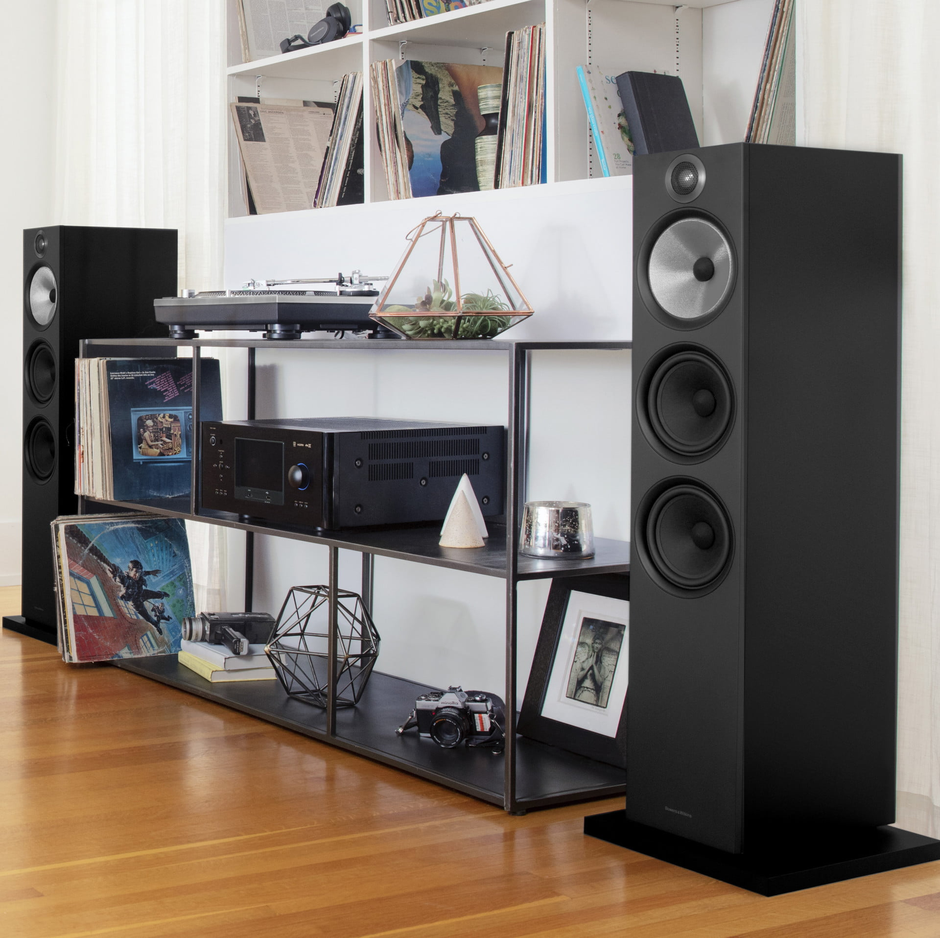 bowers wilkins 39 latest 600 series speakers land in stores digital trends. Black Bedroom Furniture Sets. Home Design Ideas