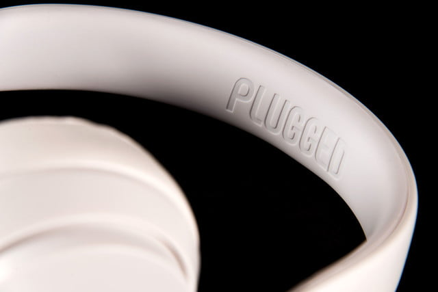 Cover Plugged headphones