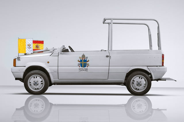 10 sweet popemobiles that will make you wish held the keys of heaven 03 100 lateral 2 seat papamovil