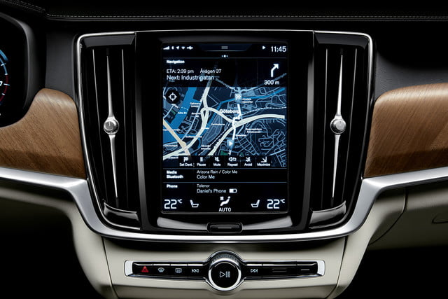 dt cars top stories of 2015 170102 interior centre display and air blades volvo s90