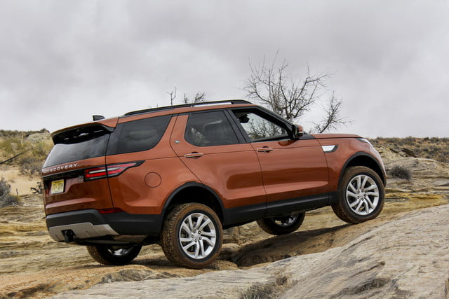 2017 land rover discovery first drive landrover review 000116