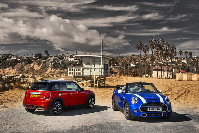 mini refreshes cooper 2 4 door hardtop and convertible for detroit 2018  12