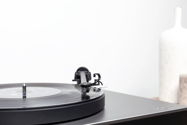cambridge audio aptx hd turntable ces 2019 alva tt detail