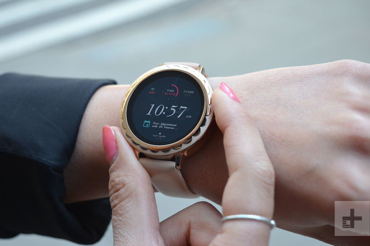 Kate Spade Scallop Touchscreen Review | Digital Trends