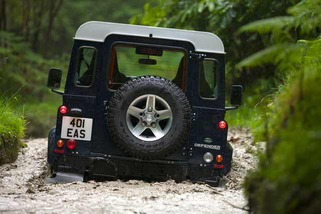11 cars that will go extinct in 2016 land rover defender 8