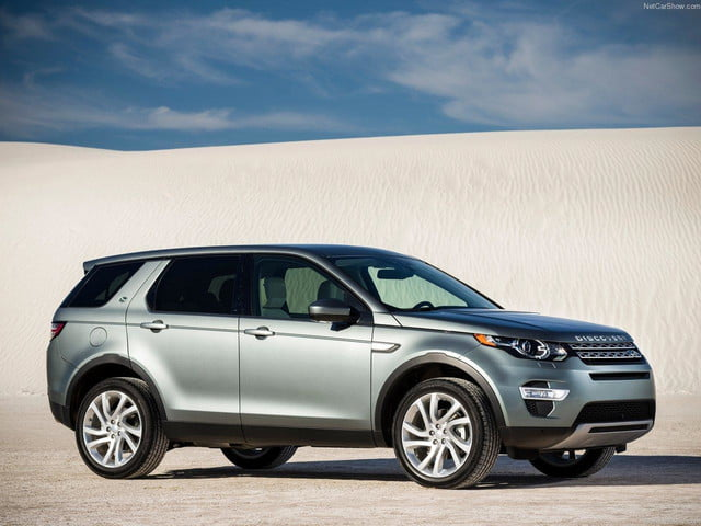 Land_Rover-Discovery_Sport_side