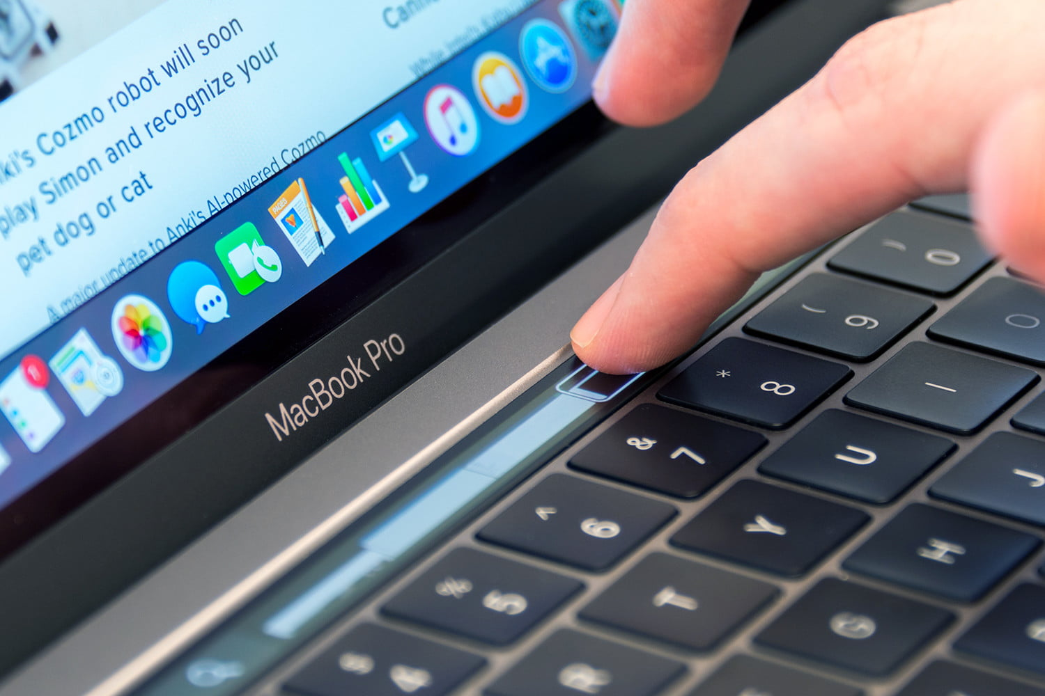 Apple MacBook Pro 13-inch non-Touch Bar (2018)