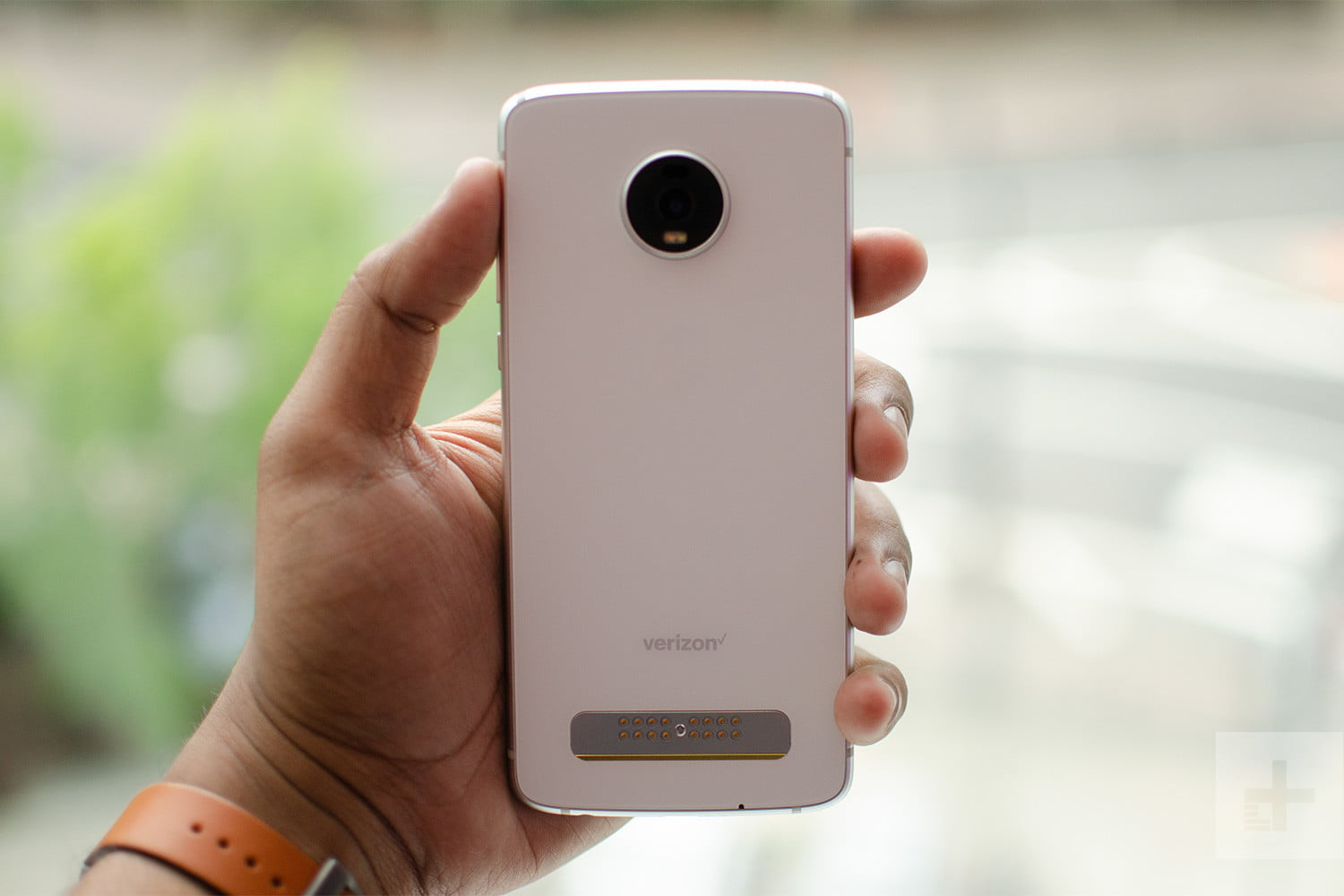 The Best Moto Mods for the Moto Z-Series | Digital Trends