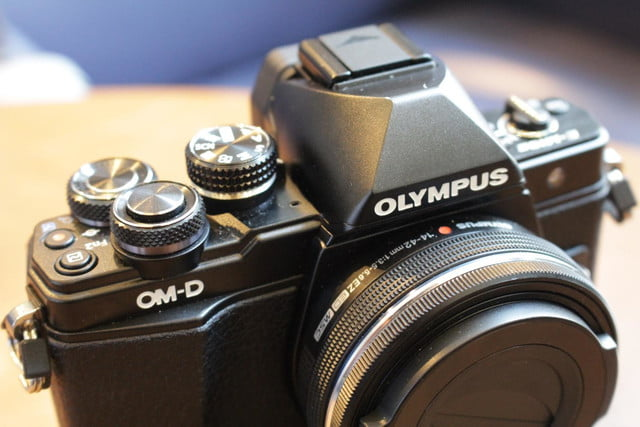 olympus gives entry level om d e m10 mirrorless camera big upgrades e10mkii 17