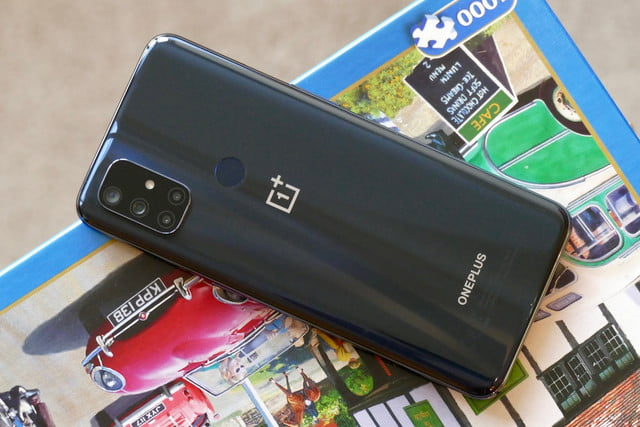 oneplus nord n10 5g versus pixel 4a back comparison