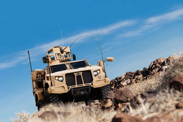 oshkosh 6 75b military contract pictures specs news jltv 002