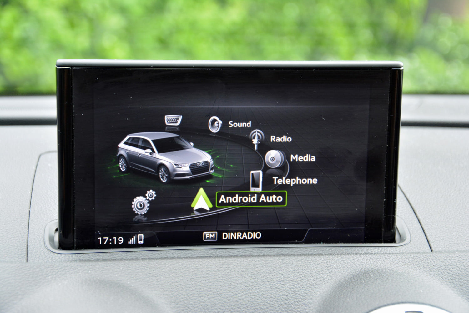 What is Android Auto? | Features, Functions, Compatible Cars
