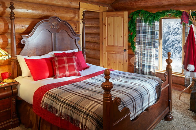 zillow lists and shows off home of santa 2 santas house bedroomtwo 023
