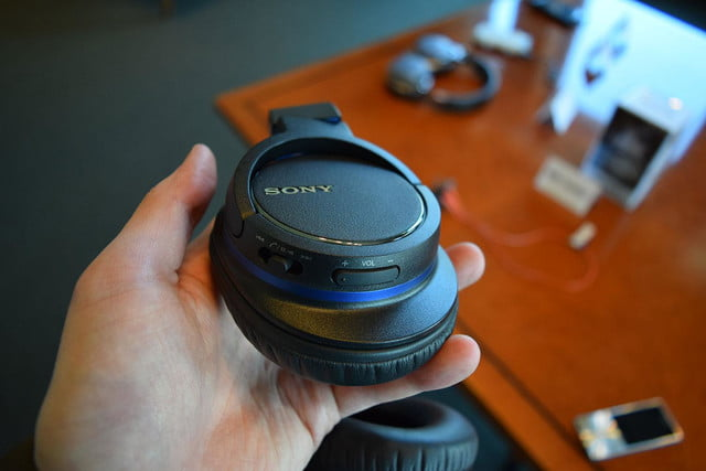 Sony MDRZX770BT hands on 5