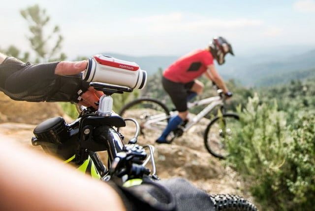 tomtoms latest gadget wont give you directions but will capture action sports tomtom bandit 7