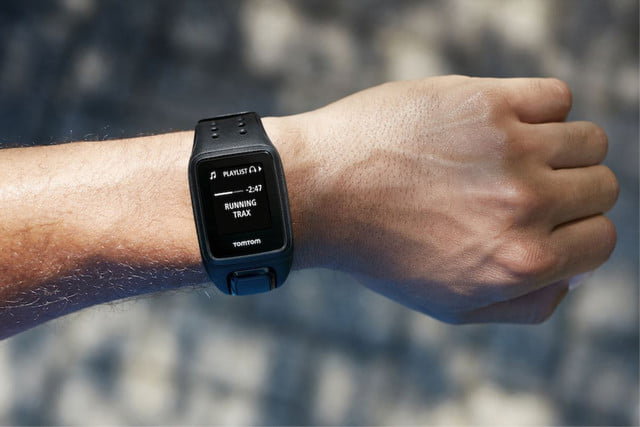 the tomtom spark gps fitness watch lets you listen to your music without phone 006