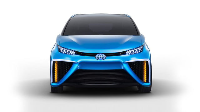 wait toyota releasing first hydrogen powered production vehicle december fuel cell 4
