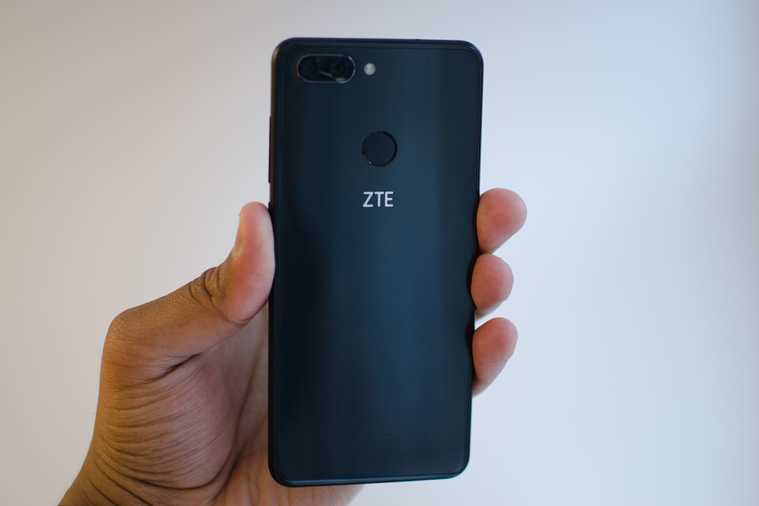 ZTE Debuts Blade V9, and Its First Android Go Phone, Tempo