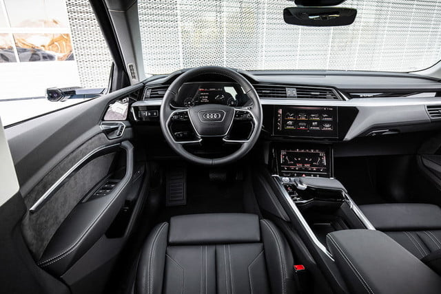 audi e tron suv electrica 2019 revision first drive press 14 800x534 c