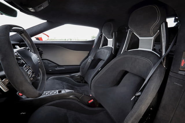 ford gt carbon series 2019 11 700x467 c