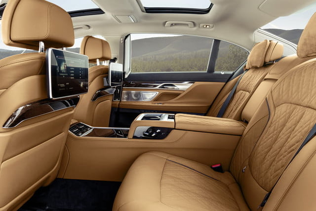bmw serie 7 2020 official 17 700x467 c