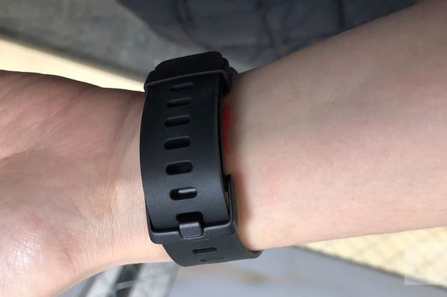 fitbit versa revision review 15 800x533 c
