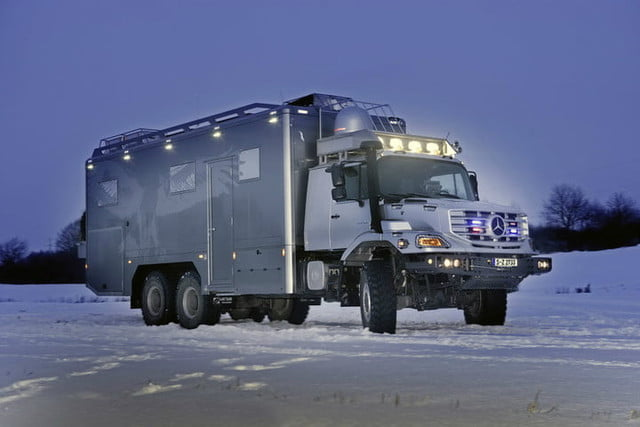 los mejores vehiculos versatiles mercedes benz zetros 2733 a 6x6 in operation as luxurious hunting and expedition vehicle 970