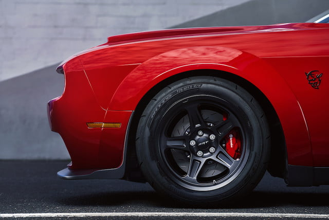 dodge demon precio venta the 2018 challenger srt is equipped with a set of four exclusive 315 40r18 nitto nt05r street legal