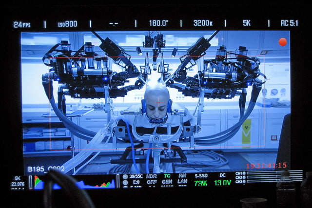sci fi gadgets that are real ender  s game uses a robot surgeon