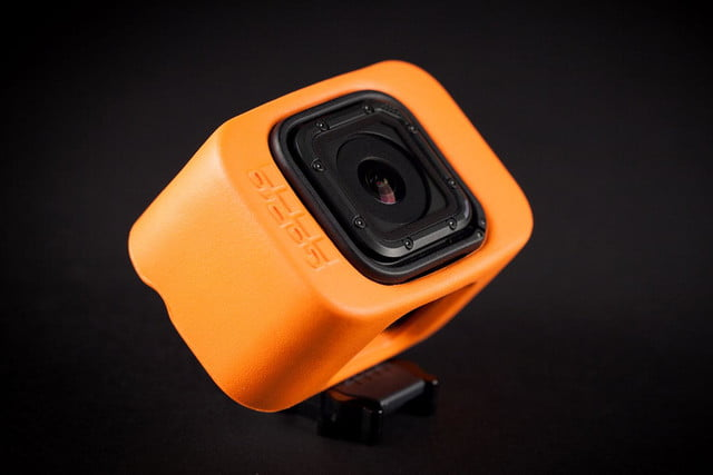 GoPro Hero 4 session hands on top angle 3