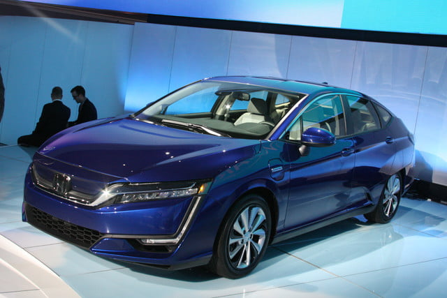 honda clarity plug in hybrid news specs performance range electric debut