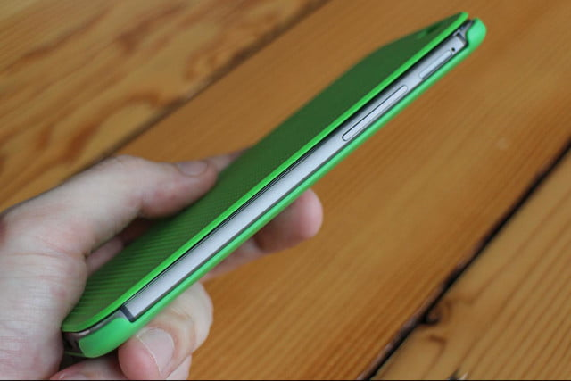 HTC One M8 w/ Windows hands on side cover 1