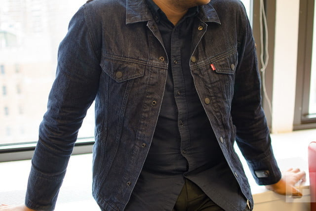 levis smart jacket changed how i use my phone levi jacquard google leaning remote