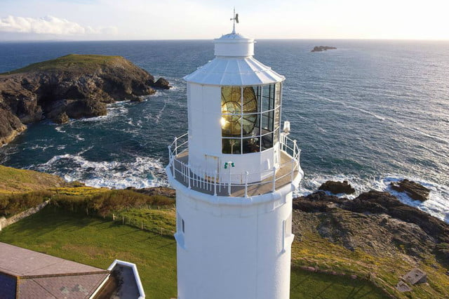 lighthouse airbnb