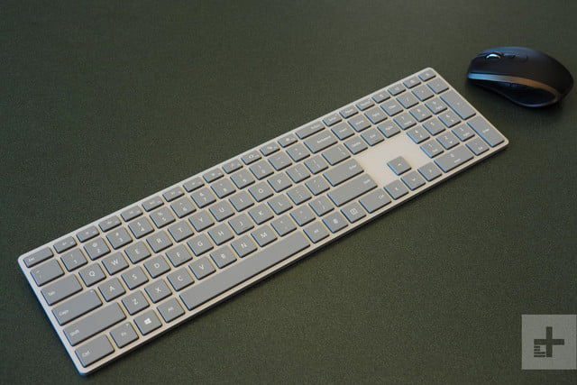 Microsoft Modern Keyboard with Fingerprint ID review mouse