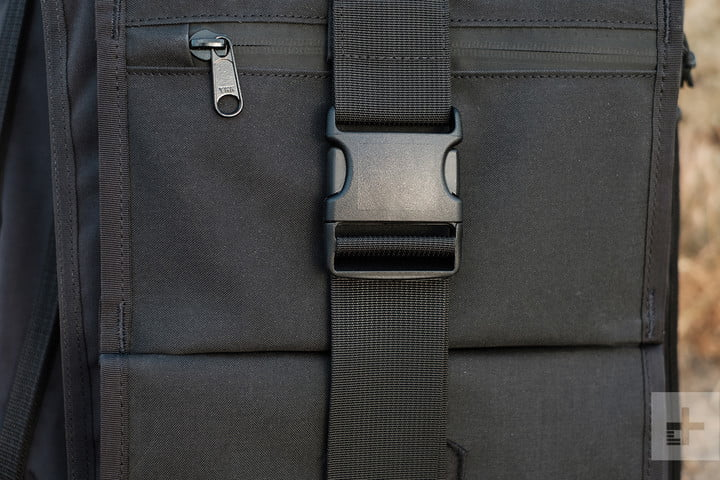 mission workshop radian buckle close