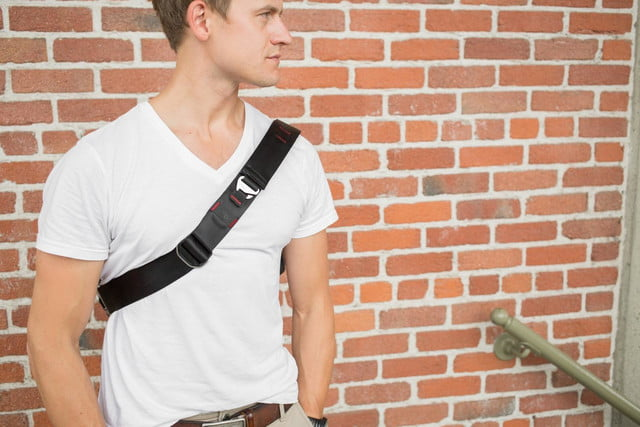 this photography bag suits your everyday needs with or without a camera peak design messenger 10