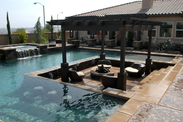 12 amazing pools with swim up bars digital trends - Draining a swimming pool may be a bad idea ...