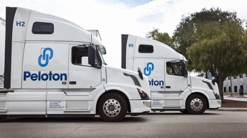 Peloton Technology Lets Semi Trucks Save Fuel by Drafting